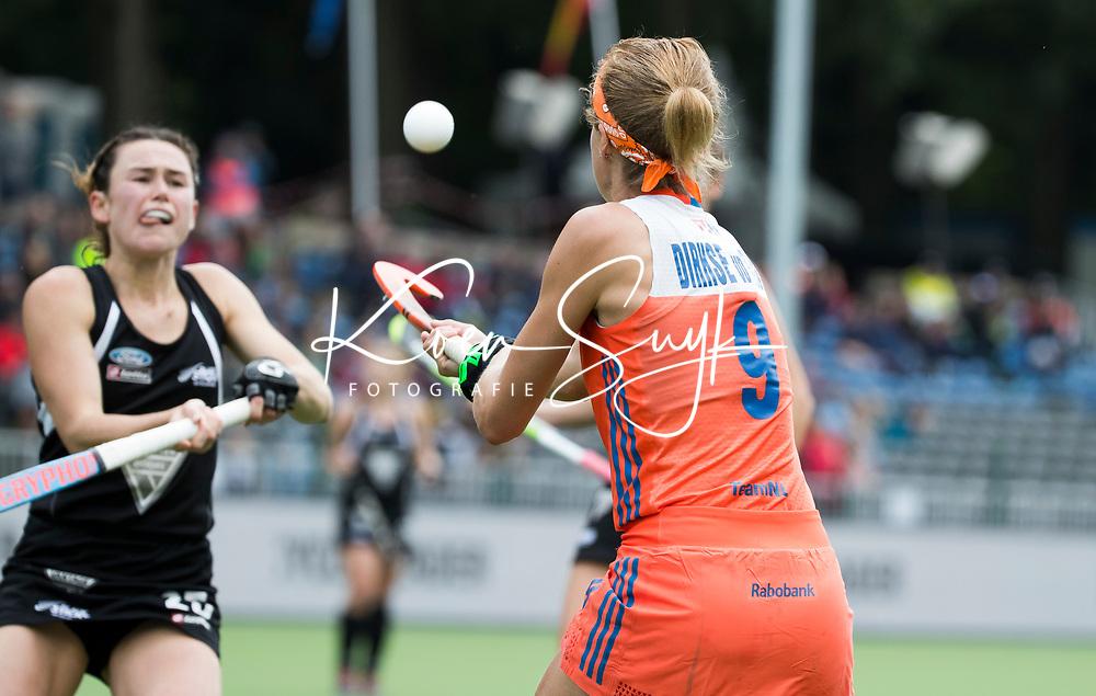 BRUSSEL - Carlien Dirkse van den Heuvel (Ned)  tijdens  de halve finale wedstrijd  Nederland-Nieuw Zeeland (1-1) bij de halve finale ronde Hockey World League (dames) . Nederland wint de shoot-outs en plaatst zich voor de finale. COPYRIGHT KOEN SUYK