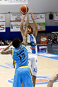 DESCRIZIONE : Capo dOrlando Lega A 2015-16 Betaland Orlandina Basket Vanoli Cremona<br /> GIOCATORE : Simas Jasaitis<br /> CATEGORIA : Tiro<br /> SQUADRA : Betaland Orlandina Basket<br /> EVENTO : Campionato Lega A Beko 2015-2016 <br /> GARA : Betaland Orlandina Basket Vanoli Cremona<br /> DATA : 15/11/2015<br /> SPORT : Pallacanestro <br /> AUTORE : Agenzia Ciamillo-Castoria/G.Pappalardo<br /> Galleria : Lega Basket A Beko 2015-2016<br /> Fotonotizia : Capo dOrlando Lega A Beko 2015-16 Betaland Orlandina Basket Vanoli Cremona