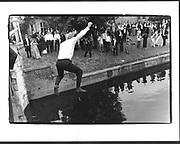 Magdalene May Ball, Magdalene College, Cambridge. 18 June 1997. Film 97585f18<br /> © Copyright Photograph by Dafydd Jones<br /> 66 Stockwell Park Rd. London SW9 0DA<br /> Tel 0171 733 0108