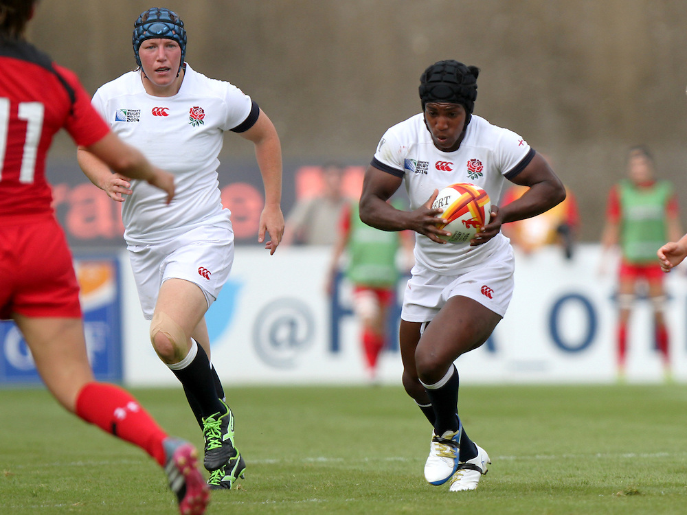 Maggie Alphonsi in action. England v Canada Pool A match at WRWC 2014 at Centre National de Rugby, Marcoussis, France, on 9th August 2014