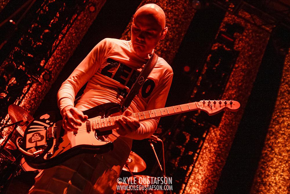 NOV 11th, 2008 - The Smashing Pumpkins perform at DAR Constitution Hall in Washington, D.C.