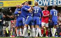 Fotball<br /> England 2004/2005<br /> Foto: SBI/Digitalsport<br /> NORWAY ONLY<br /> <br /> FA Barclays Premiership<br /> Chelsea v Charlton<br /> 7th May, 2005<br /> Chelsea's John Terry and Frank Lampard hug after the end of the game as they win the Premiership.