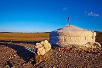 Mongolie, Province d'Omnogov, parc national du Gobi, desert de Gobi, campement nomade // Mongolia, Omnogov province, National Park of Gobi, Gobi desert, nomad camp