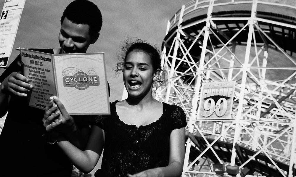 CONEY ISLAND - TEEN COUPLE AND CYCLONE