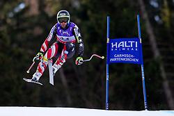 10.02.2011, Kandahar, Garmisch Partenkirchen, GER, FIS Alpin Ski WM 2011, GAP, Herren Abfahrtstraining, im Bild Travis Ganong (USA) takes to the air competing in the first men's downhill training run on the Kandahar race piste at the 2011 Alpine skiing World Championships, EXPA Pictures © 2011, PhotoCredit: EXPA/ M. Gunn