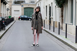 Street style, Chloe Hill arriving at APC Fall-Winter 2018-2019 show held at Rue Madame, in Paris, France, on March 5th, 2018. Photo by Marie-Paola Bertrand-Hillion/ABACAPRESS.COM