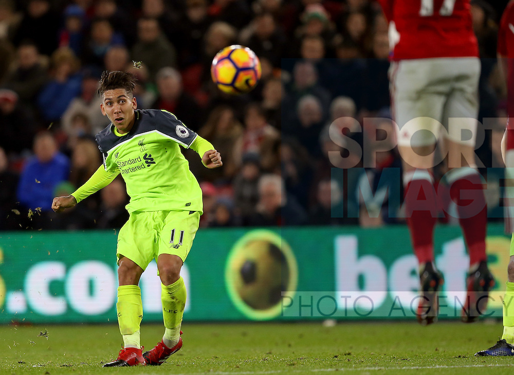 Roberto Firmino of Liverpool takes a fee kick during the English Premier League match at the Riverside Stadium, Middlesbrough. Picture date: December 14th, 2016. Pic Simon Bellis/Sportimage