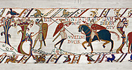 11th Century Medieval Bayeux Tapestry - Scene 50 - A watchman warns Harold that the Norman army is close. Battle of Hastings 1066. .<br /> <br /> If you prefer you can also buy from our ALAMY PHOTO LIBRARY  Collection visit : https://www.alamy.com/portfolio/paul-williams-funkystock/bayeux-tapestry-medieval-art.html  if you know the scene number you want enter BXY followed bt the scene no into the SEARCH WITHIN GALLERY box  i.e BYX 22 for scene 22)<br /> <br />  Visit our MEDIEVAL ART PHOTO COLLECTIONS for more   photos  to download or buy as prints https://funkystock.photoshelter.com/gallery-collection/Medieval-Middle-Ages-Art-Artefacts-Antiquities-Pictures-Images-of/C0000YpKXiAHnG2k