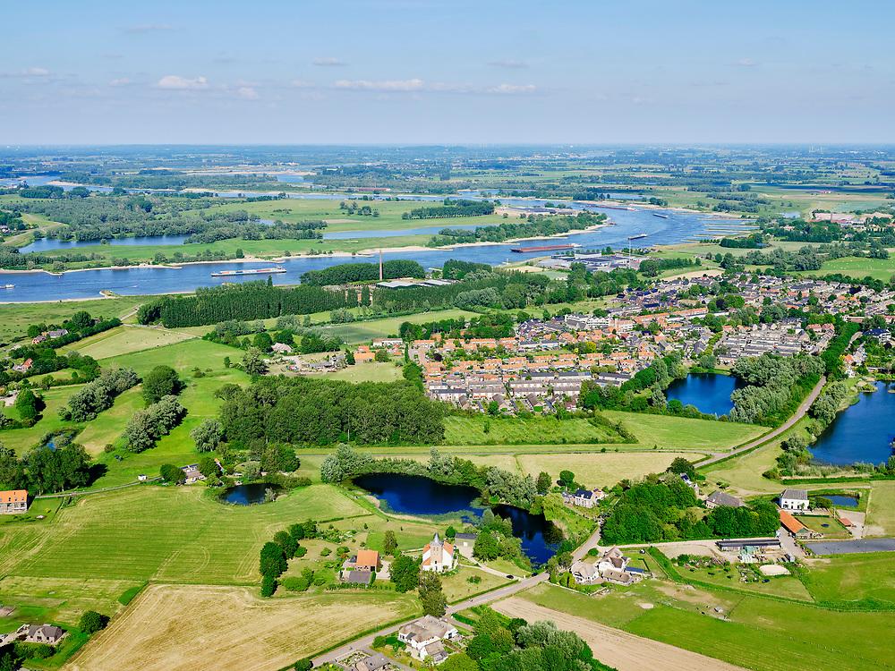 Nederland, Gelderland, GemeenteBerg en Dal; 27-05-2020. Gelderse Poort met zicht op de Ooijpolder en rivier De Waal. Zicht op het dorp Ooij.<br /> Gelderse Poort with a view of the Ooijpolder and the river Rhine (Waal).<br /> <br /> luchtfoto (toeslag op standaard tarieven);<br /> aerial photo (additional fee required)<br /> copyright © 2020 foto/photo Siebe Swart