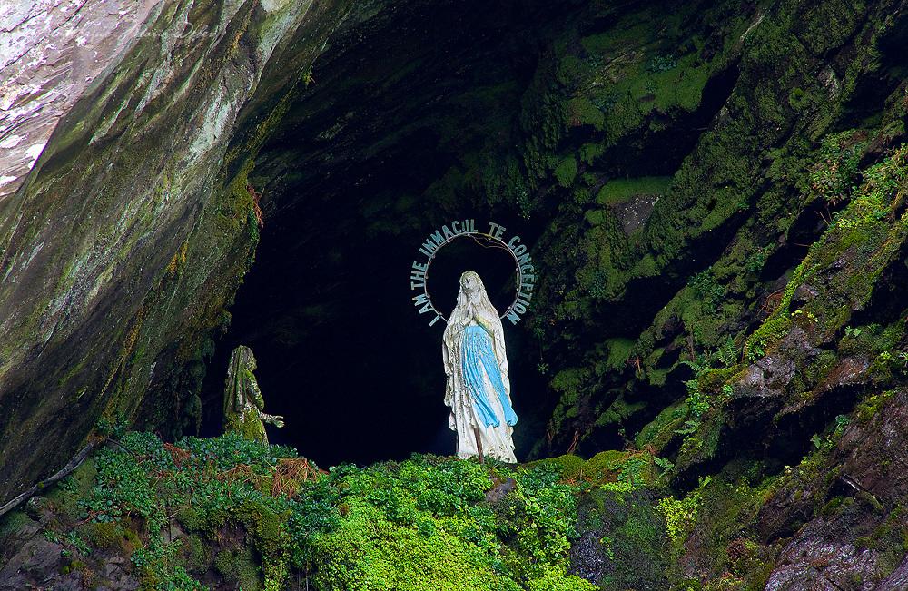 Valentia Island Slate Grotto / vl142
