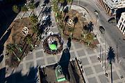 20190916/ Nicolas Celaya - adhocFOTOS/ URUGUAY/ MONTEVIDEO/ PLAZA INDEPENDENCIA/ Rodaje de escenas de la serie de Conquest producida por Keanu Reeves, en Plaza Independencia, en Montevideo.<br /> En la foto: Rodaje de escenas de la serie de Conquest producida por Keanu Reeves, en Plaza Independencia, en Montevideo. Foto: Nicolás Celaya /adhocFOTOS