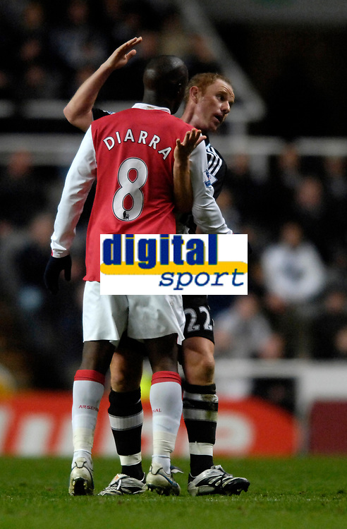 Photo: Jed Wee/Sportsbeat Images.<br /> Newcastle United v Arsenal. The FA Barclays Premiership. 05/12/2007.<br /> <br /> Newcastle's Nicky Butt (R) squares up to Arsenal's Lassana Diarra.