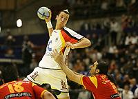 Pascal Hens (GER) gegen Ruben Garabaya Arenas (ESP). © Urs Bucher/EQ Images