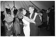Lady Anne Lambton and Sir Mark Palmer. Sixties Party given by Hon Erskine and  Mrs.Guinness, Ludgershall, 25.07.87© Copyright Photograph by Dafydd Jones 66 Stockwell Park Rd. London SW9 0DA Tel 020 7733 0108 www.dafjones.com