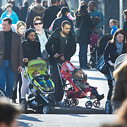 Nederland Rotterdam 21-03-2009 20090321Foto: David Rozing ..Mensenmassa bij koopgoot Rotterdam, mensen lopen en shoppen People Holland, The Netherlands, dutch, Pays Bas, Europe ..Foto: David Rozing
