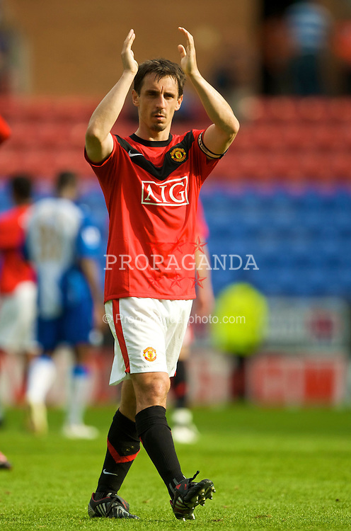 WIGAN, ENGLAND - Saturday, August 22, 2009: Manchester United's Gary Neville during the Premiership match at the DW Stadium. (Photo by David Rawcliffe/Propaganda)