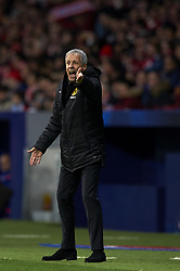 November 6, 2018 - Madrid, Spain - Lucien Favre of Borussia Dortmund gives instructions during the Group A match of the UEFA Champions League between AtleticoLucien Favre of Borussia Dortmund Madrid and Borussia Dortmund at Wanda Metropolitano Stadium, Madrid on November 07 of 2018. (Credit Image: © Jose Breton/NurPhoto via ZUMA Press)