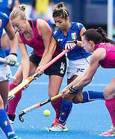 LONDON -  Unibet Eurohockey Championships 2015 in  London. Scotland v Italy. Italian Giuliana Ruggieri between Kareena Marshall (l)  and Nikki Kidd.  WSP Copyright  KOEN SUYK