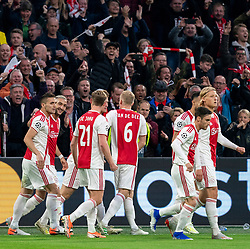 08-05-2019 NED: Semi Final Champions League AFC Ajax - Tottenham Hotspur, Amsterdam<br /> After a dramatic ending, Ajax has not been able to reach the final of the Champions League. In the final second Tottenham Hotspur scored 3-2 / Dusan Tadic #10 of Ajax, Hakim Ziyech #22 of Ajax, Frenkie de Jong #21 of Ajax, Donny van de Beek #6 of Ajax, Nicolas Tagliafico #31 of Ajax, Kasper Dolberg #25 of Ajax