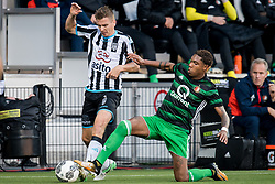(L-R) Tim Breukers of Heracles Almelo, Jean Paul Boetius of Feyenoord during the Dutch Eredivisie match between Heracles Almelo and Feyenoord Rotterdam at Polman stadium on September 09, 2017 in Almelo, The Netherlands