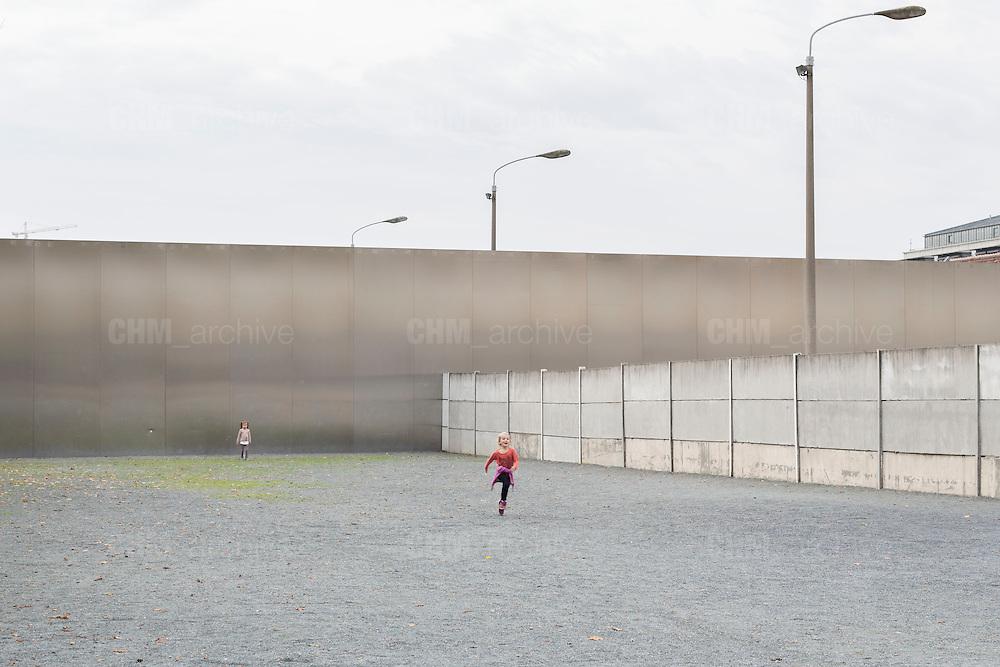 Il memoriale del Muro di Berlino su Bernauer strasse. Berlino, Germania, 13 ottobre 2014. Guido Montani / OneShot<br /> <br /> The Wall Memorial on Bernauer Strasse. Berlin, Germany, 13 ottobre 2014. Guido Montani / OneShot