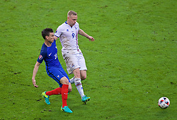 PARIS, FRANCE - Sunday, July 3, 2016: France's Laurent Koscielny in action against Iceland's Kolbeinn Sigthórsson during the UEFA Euro 2016 Championship Semi-Final match at the Stade de France. (Pic by Paul Greenwood/Propaganda)