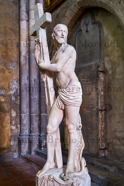 France, Saône-et-Loire (71), Chalon-sur-Saône, la cathédrale Saint-Vincent, statue du Christ ressuscité // France, Saône-et-Loire (71), Chalon-sur-Saône, Saint-Vincent cathedral