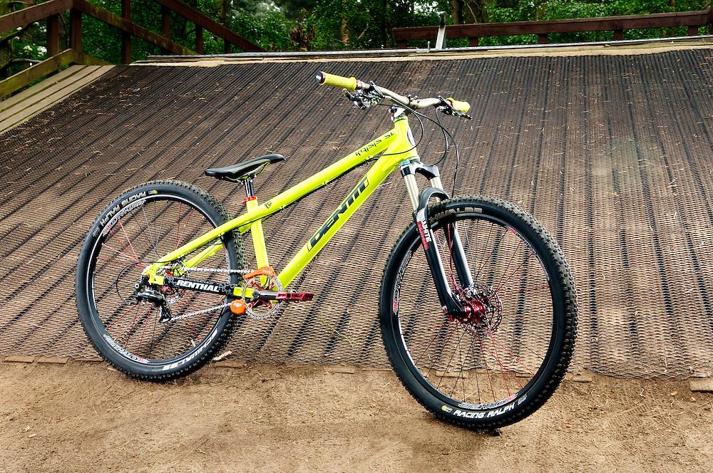 Pat Campbell Jenner's Identiti Krisis 4X bike. Chicksands. April 2011