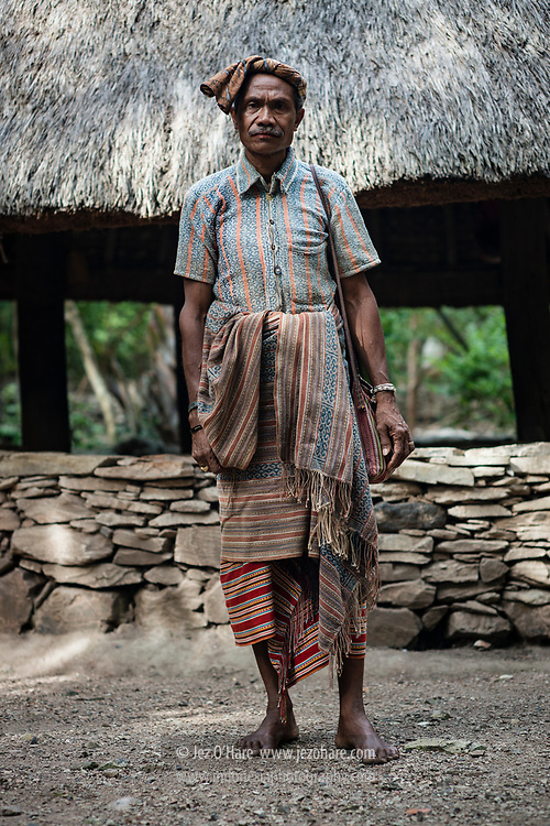 Bapak Raja Boti, Namah Benu, Timor Tengah Selatan, Timor, Nusa Tenggara Timur, Indonesia<br /> <br /> The King of Boti, Namah Benu, Timor Tengah Selatan, Timor, Nusa Tenggara Timur, Indonesia
