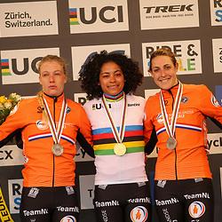 01-02-2020: Wielrennen: WK Veldrijden: Dubendorf<br /> Ceylin del Carmen Alvarado, Annemarie Worst; Lucinda Brand