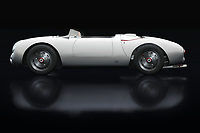 The 1956 Porsche 550-A Spyder was a special Porsche sports car that many of us know from that famous actor James Dean. The 1956 Porsche 550-A Spyder was stubborn, powerful and with an exuberant design. Really what you can expect from a Porsche. German solidity and a special design? Then you have to be with Porsche.<br />