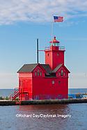 64795-03020 Holland Lighthouse (Big Red) on Lake Michigan Holland, MI