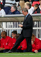 Photo: Andrew Unwin.<br />Hartlepool Utd v Swansea. Coca Cola League 1.<br />17/09/2005.<br />Swansea's manager, Kenny Jackett, takes notes.