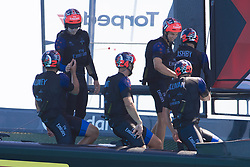 June 21, 2017 - Bermudes, USA - The Great Sound, Bermuda, 18th June. Emirates Team New Zealand crew after their win against Oracle Team USA in race four on day two of the America's Cup. (Credit Image: © Panoramic via ZUMA Press)