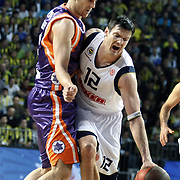 Fenerbahce Ulker's Darjus LAVRINOVIC (R) during their Euroleague Basketball Top 16 Game 2 match Fenerbahce Ulker between Power Electronics Valencia at Sinan Erdem Arena in Istanbul, Turkey, Thursday, January 27, 2011. Photo by TURKPIX