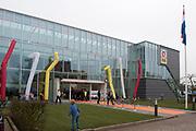 Koning Willem Alexander opent gerenoveerd BOVAGhuis in Bunnik. BOVAG is een brancheorganisatie van ruim 10.000 ondernemers die zich met mobiliteit bezighouden<br /> <br /> King Willem Alexander opens renovated Bovag House in Bunnik. Bovag is a trade association of more than 10,000 entrepreneurs engaged in mobility<br /> <br /> Op de foto / On the photo: BOVAGhuis