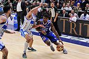 DESCRIZIONE : Campionato 2014/15 Serie A Beko Dinamo Banco di Sardegna Sassari - Acqua Vitasnella Cantu'<br /> GIOCATORE : DeQuan Jones<br /> CATEGORIA : Palleggio Penetrazione<br /> SQUADRA : Acqua Vitasnella Cantu'<br /> EVENTO : LegaBasket Serie A Beko 2014/2015<br /> GARA : Dinamo Banco di Sardegna Sassari - Acqua Vitasnella Cantu'<br /> DATA : 28/02/2015<br /> SPORT : Pallacanestro <br /> AUTORE : Agenzia Ciamillo-Castoria/L.Canu<br /> Galleria : LegaBasket Serie A Beko 2014/2015