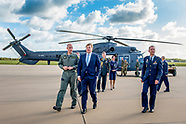 Koning Willem-Alexander brengt een werkbezoek aan het Defensie Helikopter Commando in Gilze-Rijen.