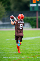 KELOWNA, BC - SEPTEMBER 8:  Tyson Mastrodimos #9 of Okanagan Sun warms up on the field against the Langley Rams  at the Apple Bowl on September 8, 2019 in Kelowna, Canada. (Photo by Marissa Baecker/Shoot the Breeze)