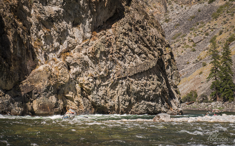 Dropping lower and lower into the deep canyon section of the Salmon River gives you a glimpse of the intimadating granite wall of the Middle Fork.