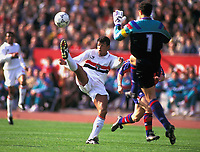 13-12-1992, Tokyo, Japan, Muller (San Paulo FC). World Club Championship ( TOYOTA Cup) San Paulo FC (Brazil) v FC Barcelona (Spain) (2-1) at Tokyo, Japan <br /> <br /> Norway only