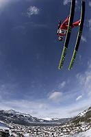 Hopp<br /> Hoppuka 2005/2006<br /> Foto: imago/Digitalsport<br /> NORWAY ONLY<br /> <br /> 31.12.2005  <br /> <br /> Bjørn Einar Romøren  (Norwegen) fliegt ins Tal von Garmisch Partenkirchen