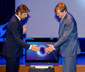 Koning Willem Alexander opent Microsoft Quantum Lab Delft