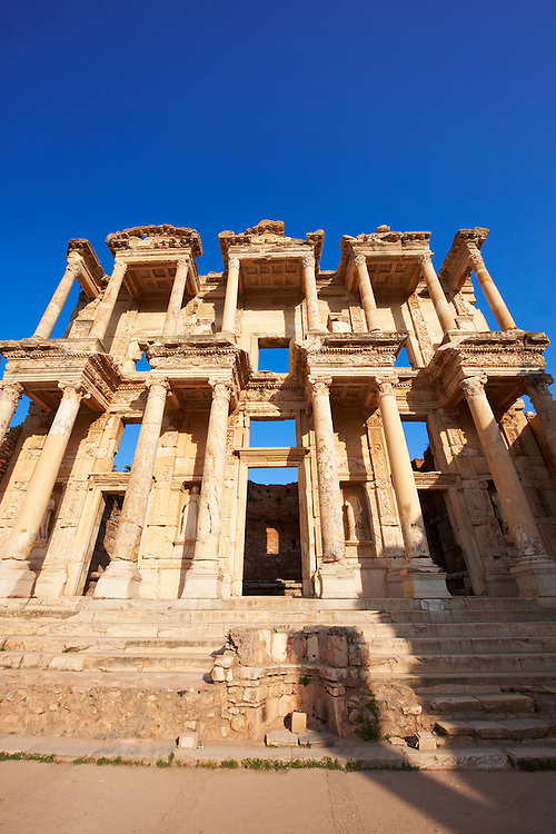 Picture & Image of The library of Celsus. Images of the Roman ruins of Ephasus, Turkey. Stock Picture & Photo art prints .<br /> <br /> If you prefer to buy from our ALAMY PHOTO LIBRARY  Collection visit : https://www.alamy.com/portfolio/paul-williams-funkystock/ephesus-celsus-library-turkey.html<br /> <br /> Visit our TURKEY PHOTO COLLECTIONS for more photos to download or buy as wall art prints https://funkystock.photoshelter.com/gallery-collection/3f-Pictures-of-Turkey-Turkey-Photos-Images-Fotos/C0000U.hJWkZxAbg