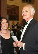 Claire tomalin and Michael Frayn. Booker prize, Guildhall, London. 25 October 1999. © Copyright Photograph by Dafydd Jones 66 Stockwell Park Rd. London SW9 0DA Tel 020 7733 0108 www.dafjones.com
