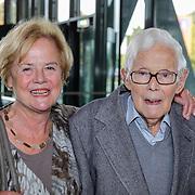 NLD/Hilversum/20121003- Boekpresentatie De Iconen van het NOS Achtuurjournaal, Frits Thors en dochter