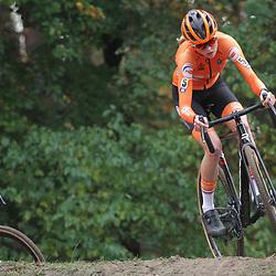 08-11-2020: Wielrennen: EK Veldrijden: Rosmalen: Fem van Empel
