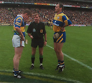 Tipperary's Conor Gleeson, referee Dickie Murphy and Clare's Anthony Daly before the 1997 All-Ireland.