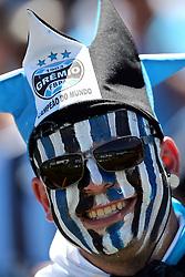 Torcedores do Grêmio no Estádio Olímpico, em Porto Alegre (RS), antes do clássico contra o Internacional, válida pela última rodada do Campeonato Brasileiro 2012. Esta é partida de despedida do estádio, que será fechado e demolido para projetos imobiliários. FOTO: Jefferson Bernardes/Preview.com