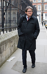 © London News Pictures. 16/11/2011. London, UK. Editor of The Guardian Newspaper Alan Rusbridger arriving at The Royal Courts Of Justice this morning (16/11/2011) to give evidence at the Leveson Inquiry into press standards. Photo credit: Ben Cawthra/LNP